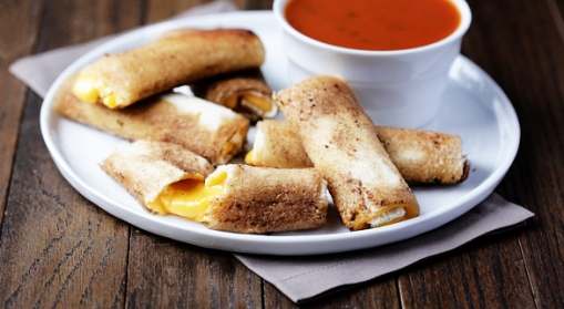 2013-05-13-grilled-cheese-roll-ups-586x322